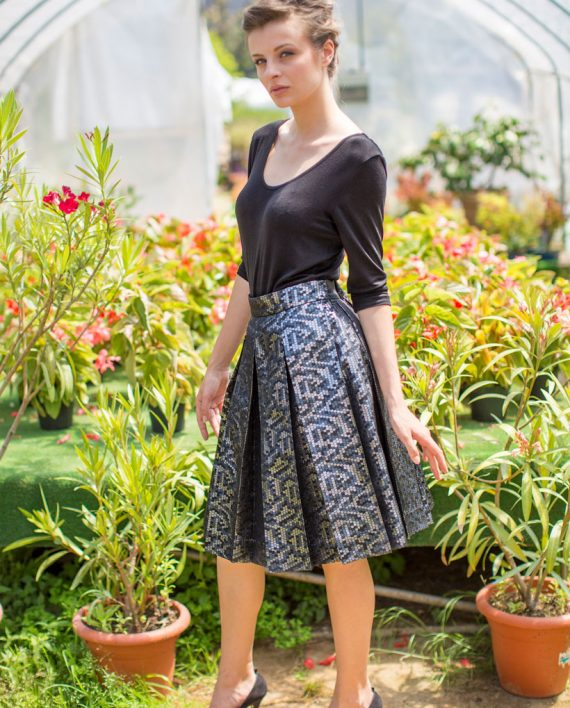 Pleated-midi-skirt-with-sequins-effect_MG_8090